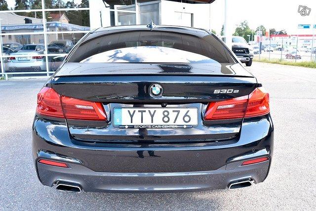 BMW 530e 22