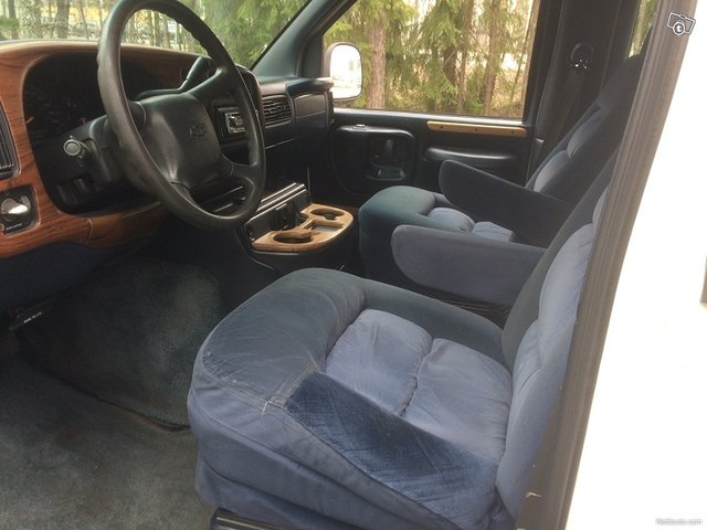 Chevrolet Chevy Van 3