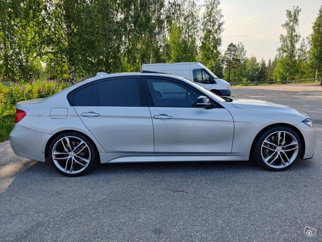 BMW 335XI 4