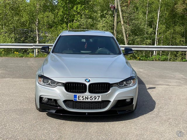 BMW 335XI 8