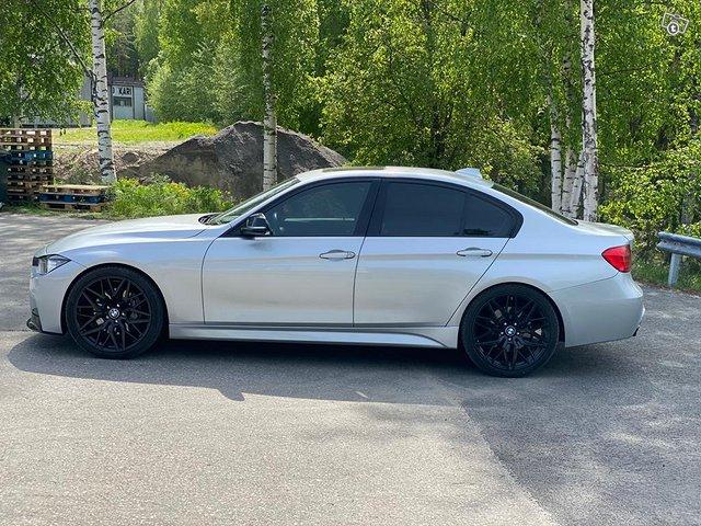 BMW 335XI 10