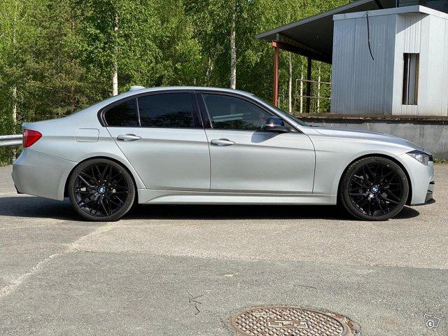 BMW 335XI 11