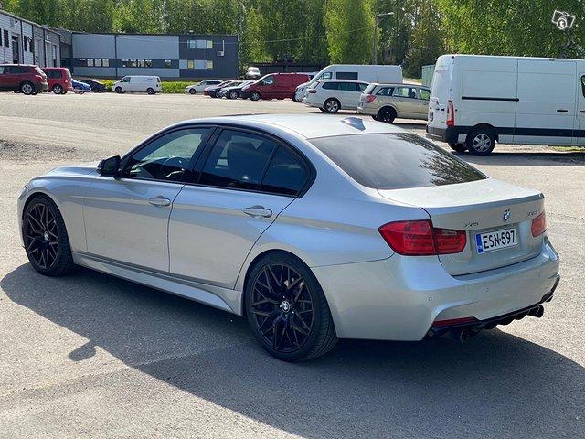 BMW 335XI 12