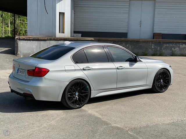 BMW 335XI 14