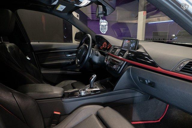 BMW 335XI 16