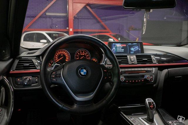 BMW 335XI 17