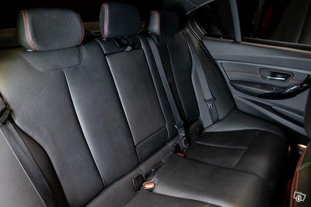 BMW 335XI 19