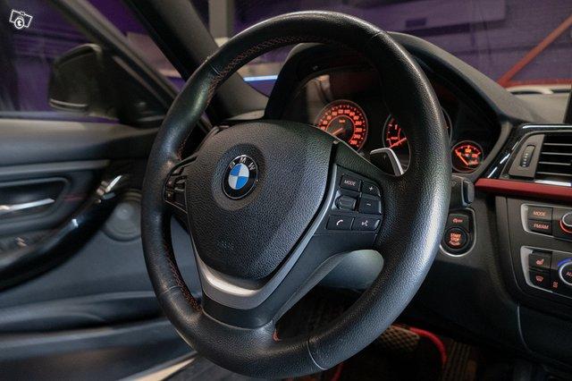 BMW 335XI 22