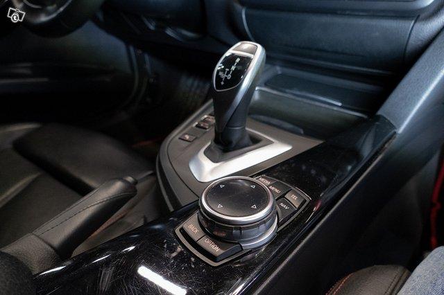 BMW 335XI 23