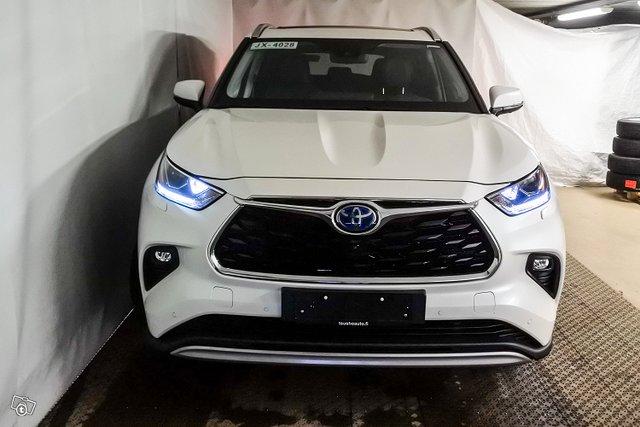 Toyota Highlander 5