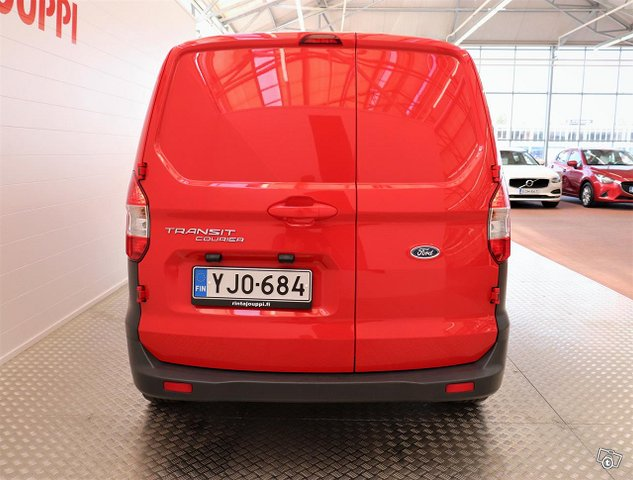 Ford Transit Courier 5
