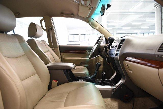 Toyota Land Cruiser 10