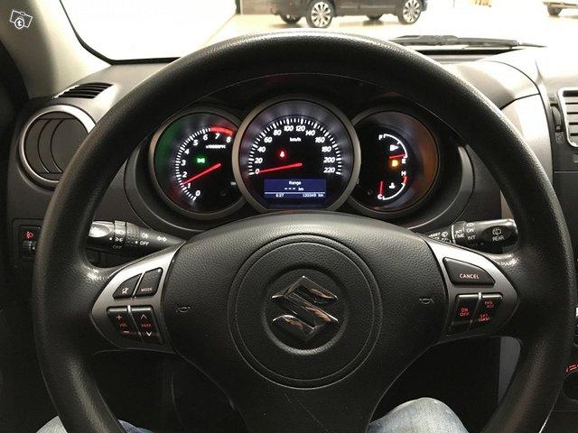 Suzuki Grand Vitara 10