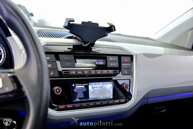 Volkswagen Up 23