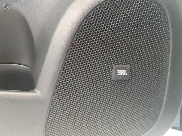 TOYOTA Prius Plug-in 8