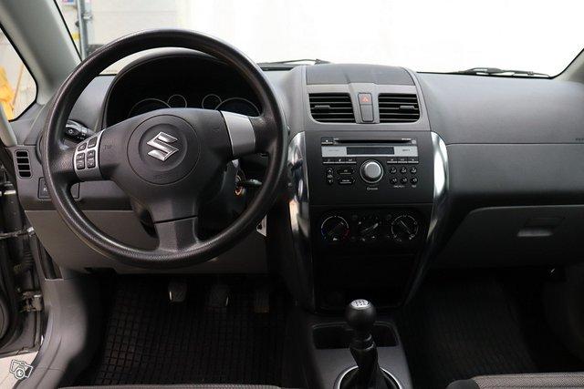 Suzuki SX4 7