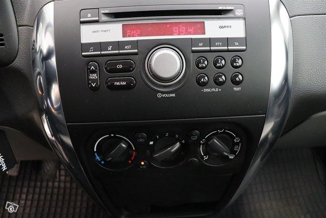 Suzuki SX4 10