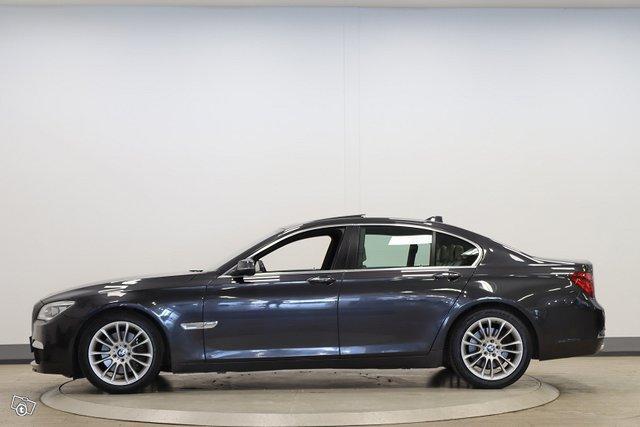 BMW 730 8