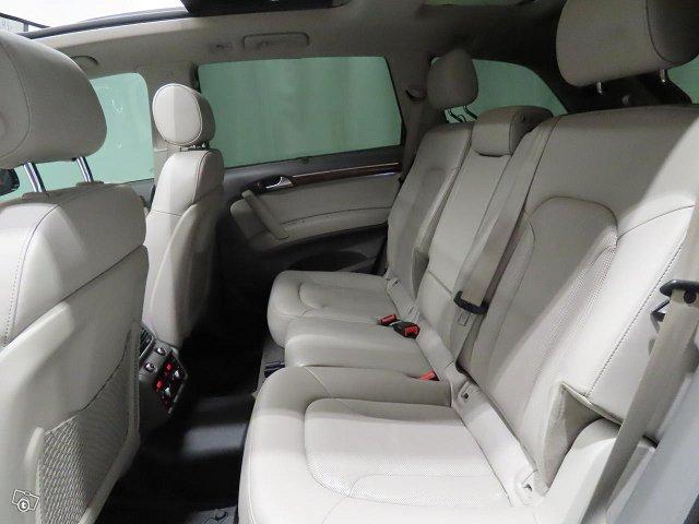 Audi Q7 8