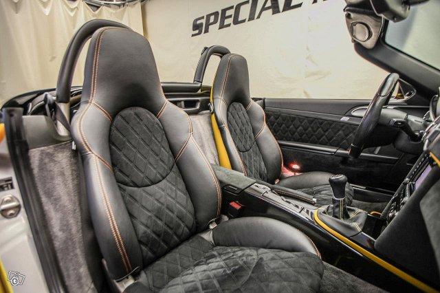 Porsche Boxster 18