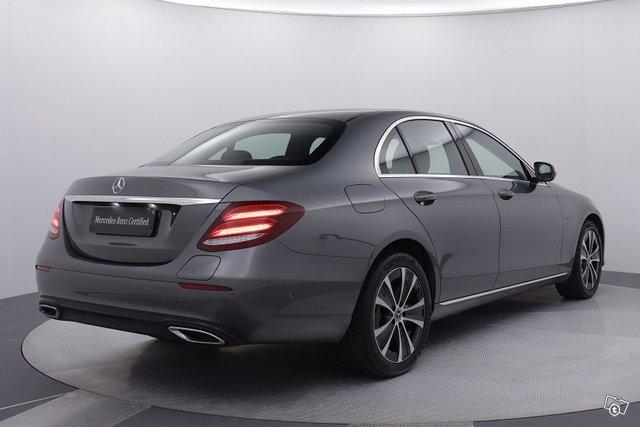 Mercedes-Benz E 5