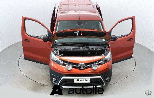Toyota Proace 13