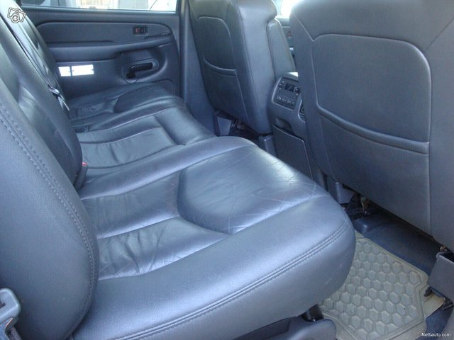 Chevrolet Avalanche 25