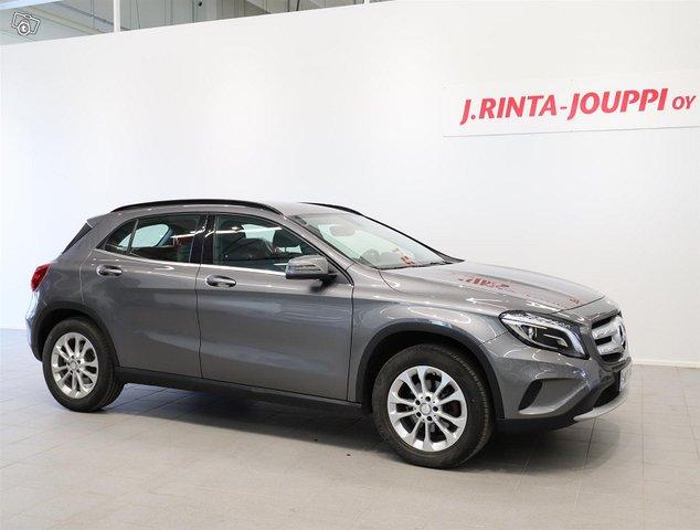 Mercedes-Benz GLA 2
