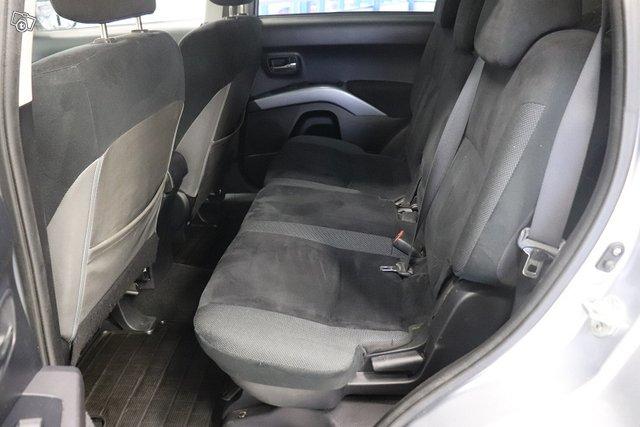 Mitsubishi Outlander 22
