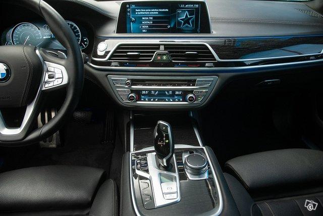 BMW 740 12