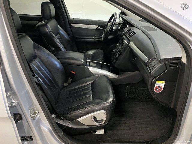 Mercedes-Benz R 9
