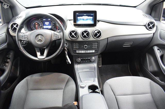 Mercedes-Benz B 8