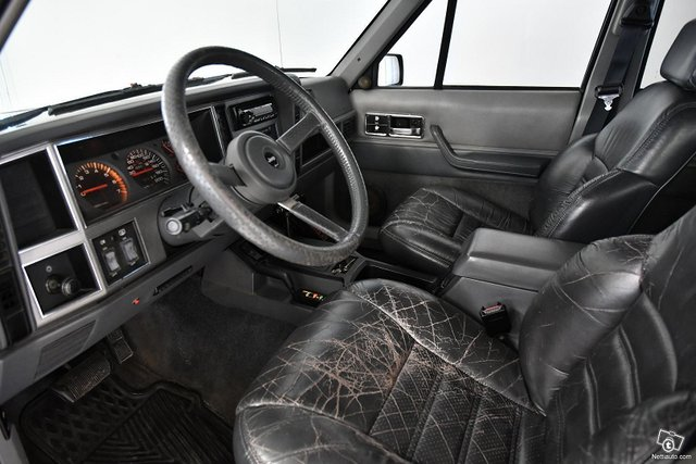 Jeep Cherokee 9