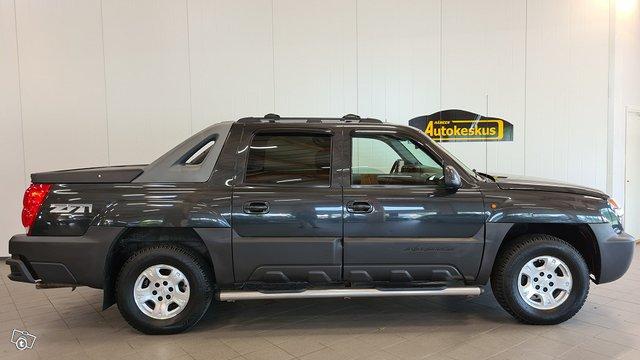 Chevrolet Avalanche 2