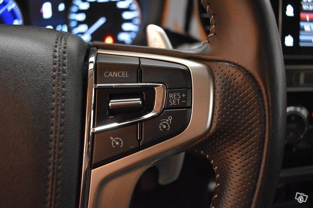 Mitsubishi Outlander PHEV 16