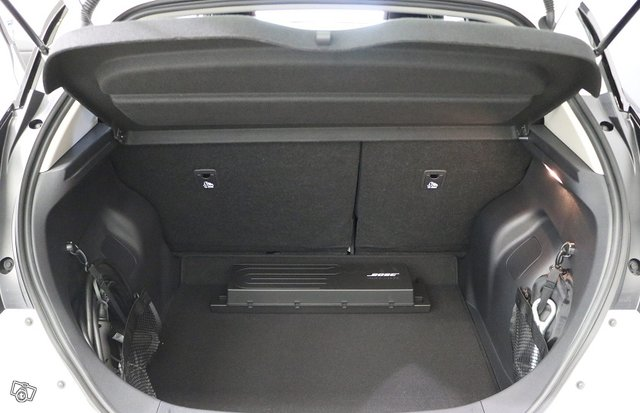Nissan LEAF 10