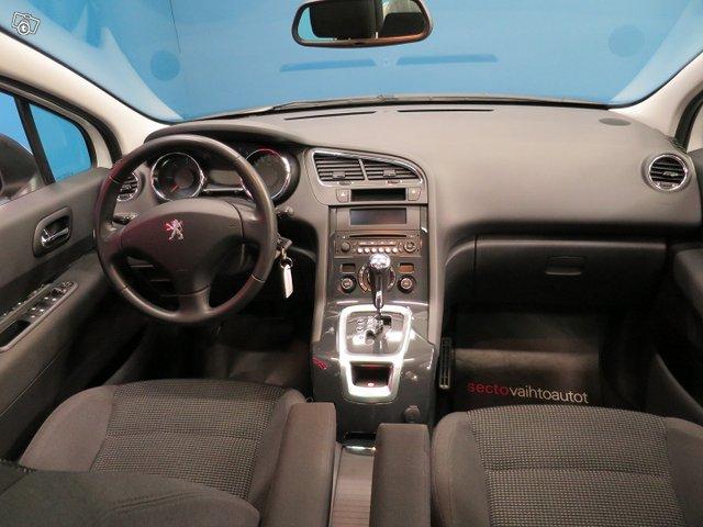 Peugeot 5008 4
