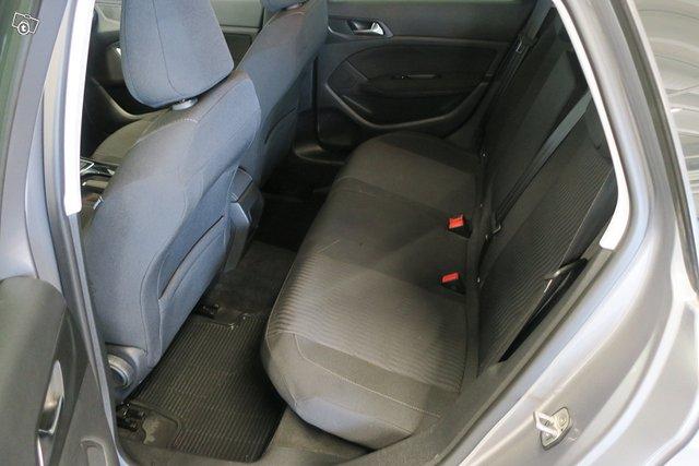 Peugeot 308 7