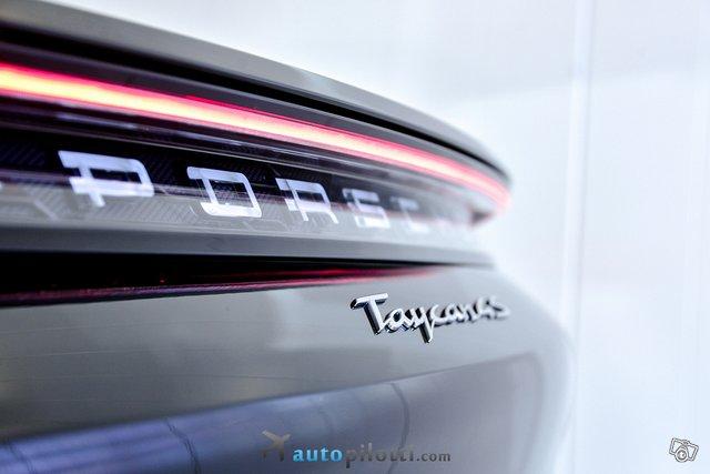 Porsche Taycan 8