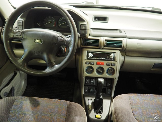 Land Rover Freelander 11