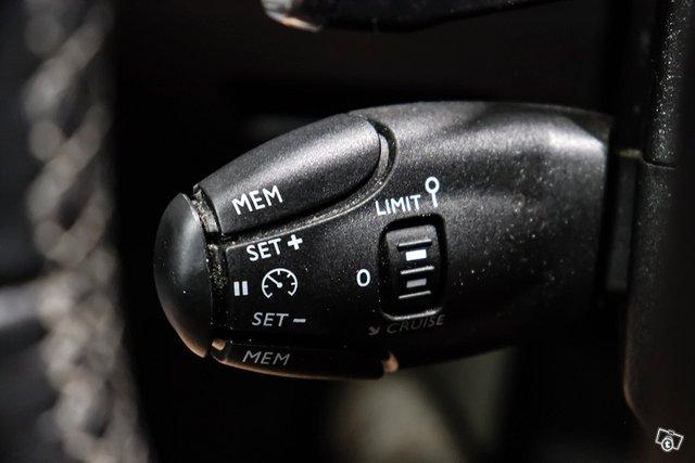 Peugeot 5008 22