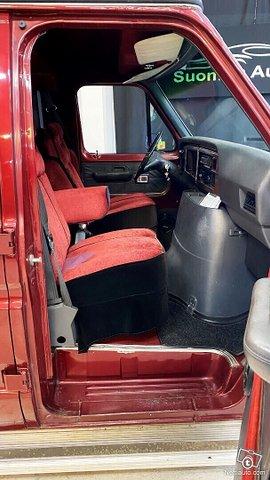 Ford Econoline 8