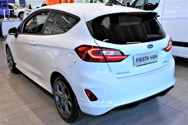 Ford Fiesta Van 4