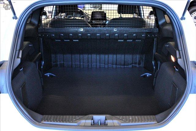 Ford Fiesta Van 13