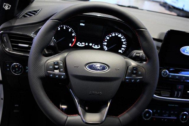 Ford Fiesta Van 23