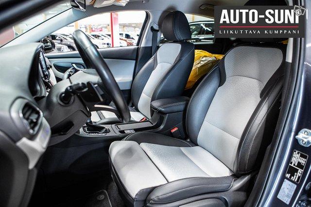 Hyundai I30 Fastback 13