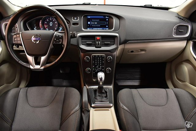 Volvo V40 Cross Country 10