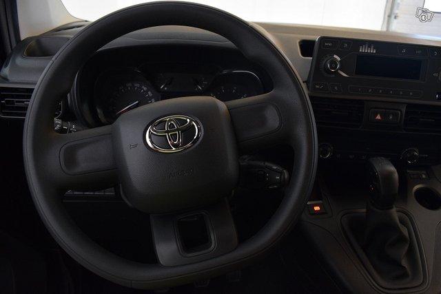 Toyota Proace CITY 13