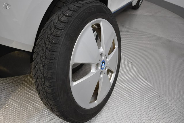 BMW I3 23