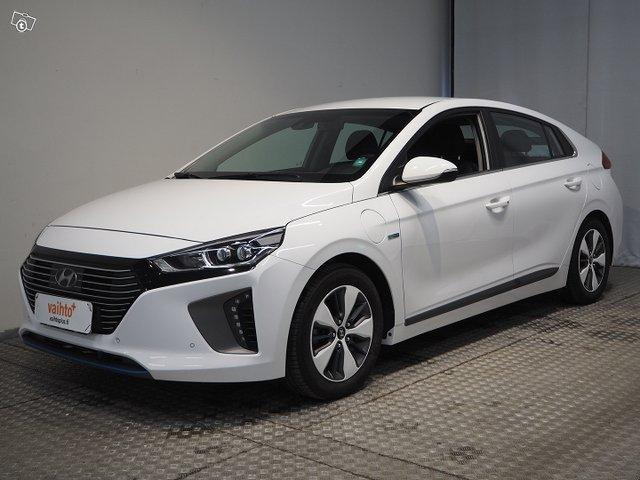 Hyundai IONIQ PLUG-IN 1